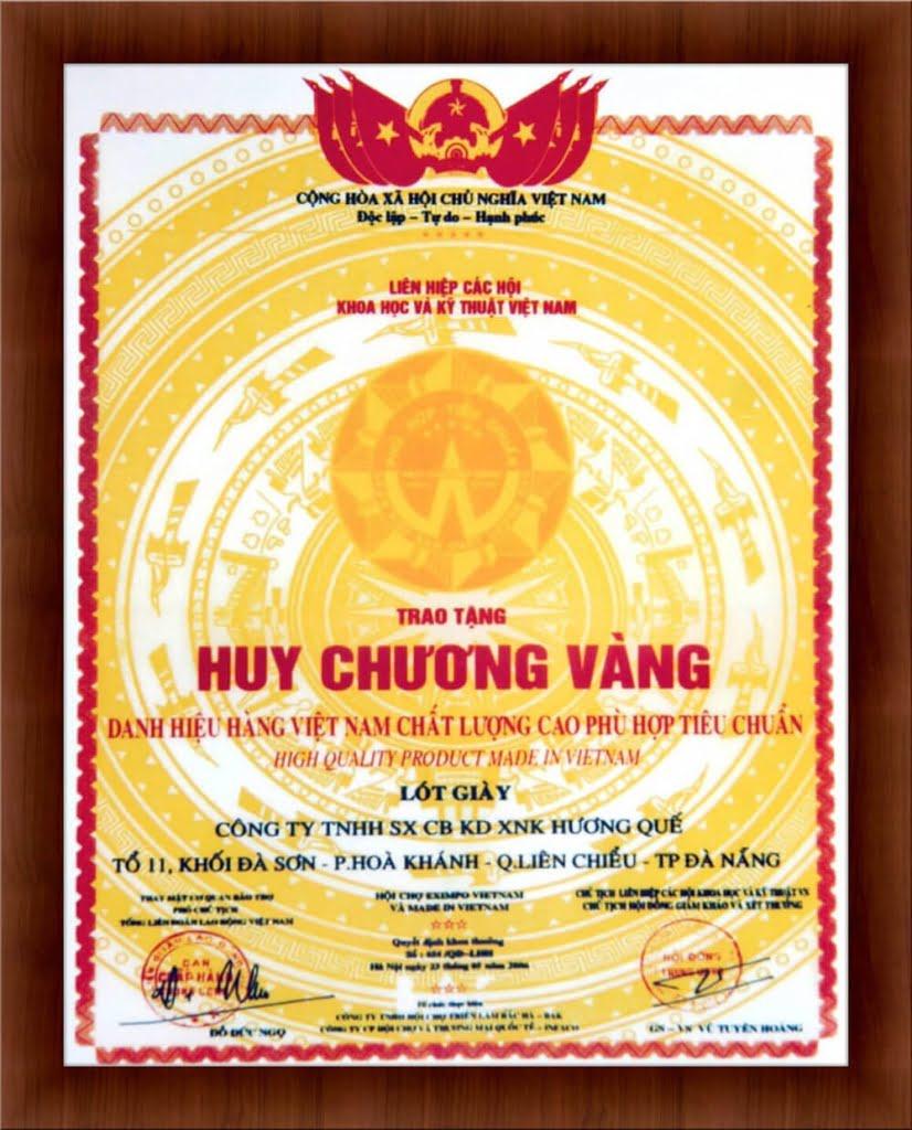 huy-chuong-vang-danh-hieu-hang-viet-nam-chat-luong-cao-phu-hop-tieu-chuan-2006