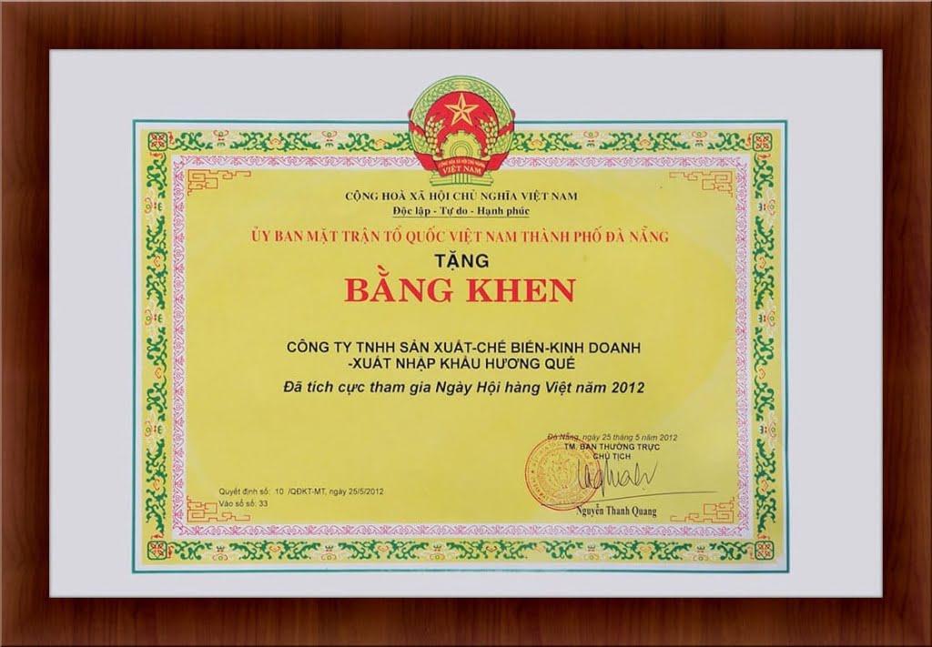 bang-khen-da-tich-cuc-tham-gia-ngay-hoi-hang-viet-nam-2012
