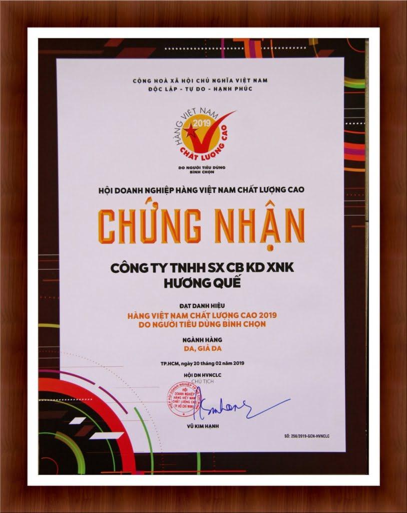 giay-chung-nhan-hang-viet-nam-chat-luong-cao-do-nguoi-tieu-dung-binh-chon-2019