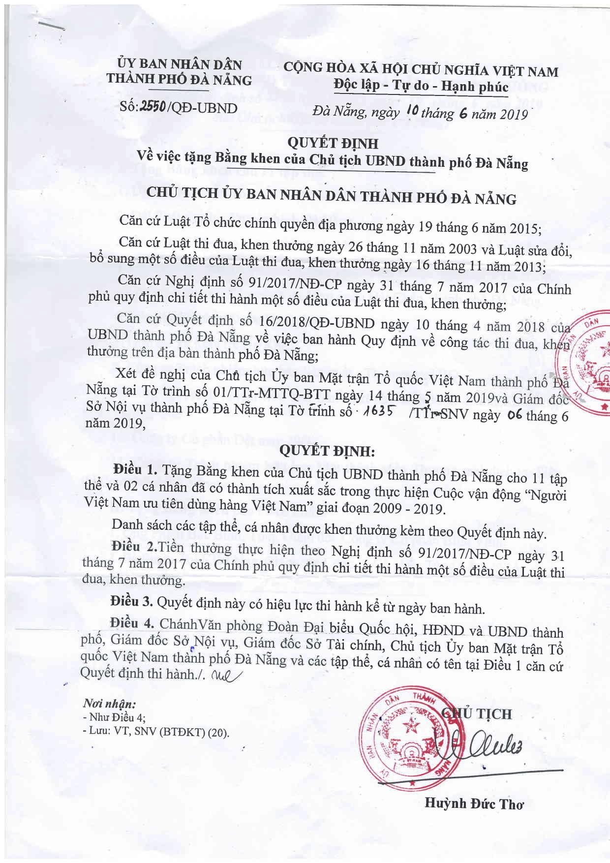 huong-que-nhan-bang-khen-cua-chu-tich-ubnd-tp-da-nang-ve-thanh-tich-xuat-sac-trong-thuc-hien-cuoc-van-dong-nguoi-viet-nam-uu-tien-dung-hang-viet-nam-giai-doan-2009-2019-h2